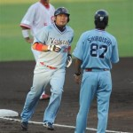 Hatake runs the bases in the 1st past the WORLD'S FINEST THIRDBASE COACH