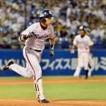 Kawabata knocks in the 4th Swallows run of the game.