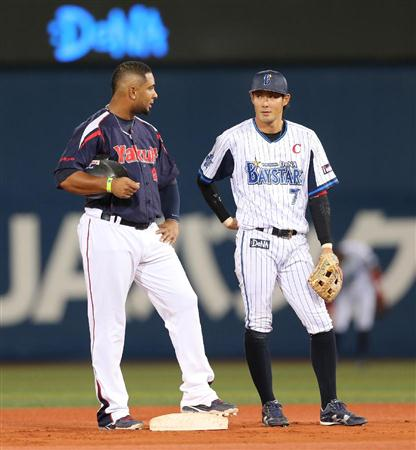 Coco asks Ishikawa why Soto won't pitch to him.